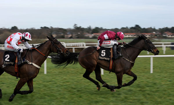 Sir Des Champs fends off Flemenstar